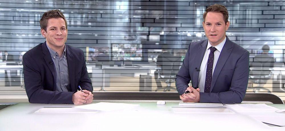 Daniel Schüler gemeinsam mit Marcel Wagner im n-tv-Nachrichtenstudio